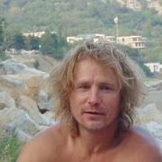 Саша 46 лет (Рак) хочет познакомиться в Ялте