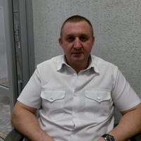 андрей, 47 лет, Телец, Саратов