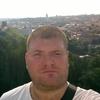 Олег, 26, г.Островец