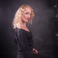 Юлия, 48 лет, Козерог, Москва