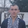 Олег, 40, г.Украинка