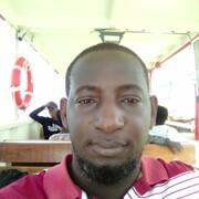yasiin 33 Кампала