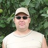 Михаил, 38, г.Новоаннинский