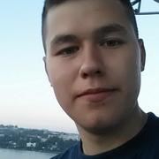 Иван, 20, г.Среднеуральск