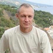 Михаил, 54, г.Айхал