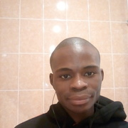 Tresor Ngouala, 24, г.Петродворец