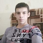 Виталий, 27, г.Котово