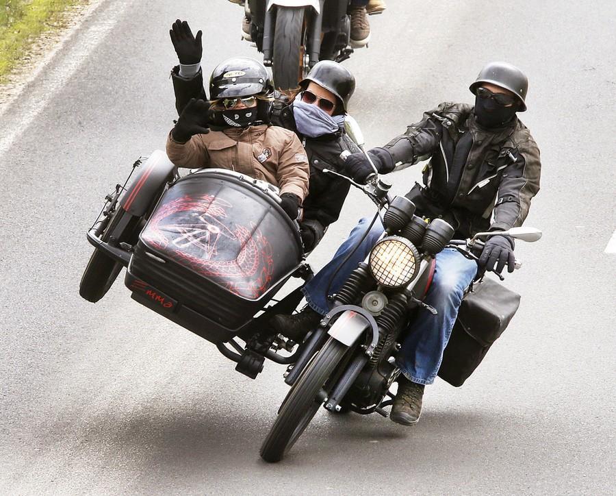 фото приколы с мотоциклами ноги