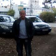 Иван, 18, г.Ленино