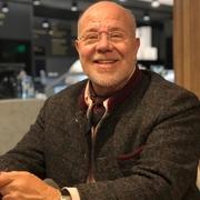 Benjamin 56 лет (Рак) Лондон