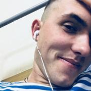 роман, 20, г.Псков