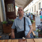 олег, 47, г.Владимир-Волынский